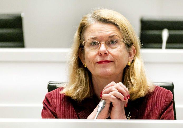 Het personeelsverloop in de bestuurlijke laag net onder burgemeester Krikke begint zorgelijke vormen aan te nemen.