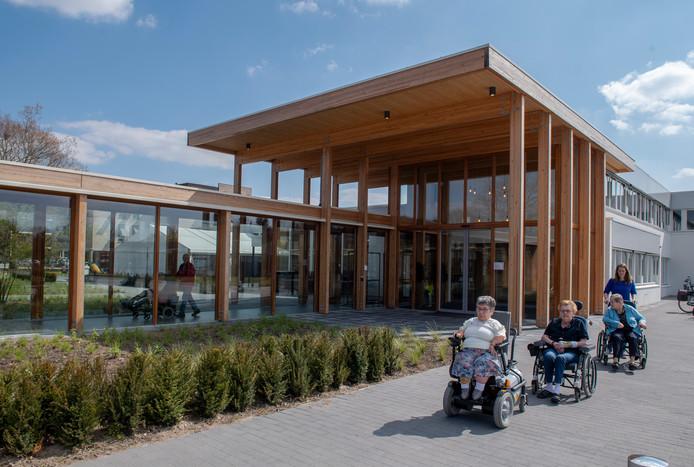 De nieuwe ingang van zorgcentrum Eikendonk.