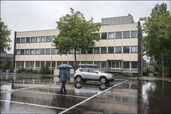 Het belastingkantoor in Gennep wijkt voor de nieuwe Lidl. Foto Theo Peeters