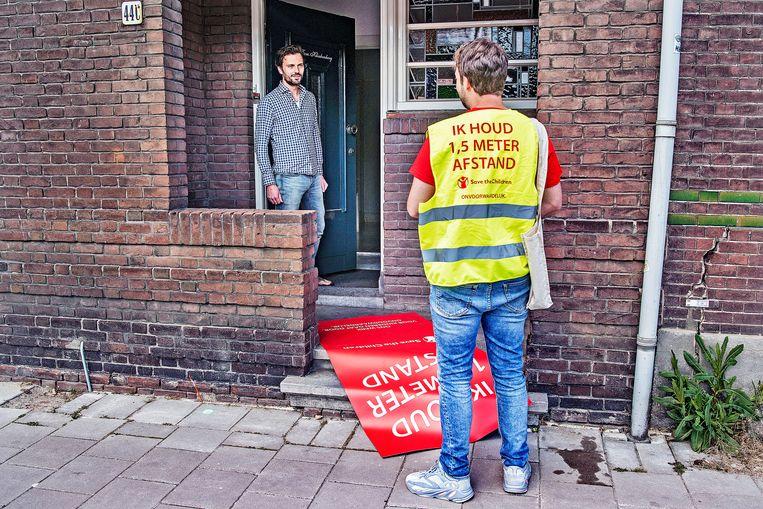'Dat is nog eens een creatieve manier van werven.'  Beeld Guus Dubbelman / de Volkskrant