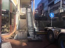 Nieuwe roltrappen in Marikenstraat; oude waren te vaak kapot
