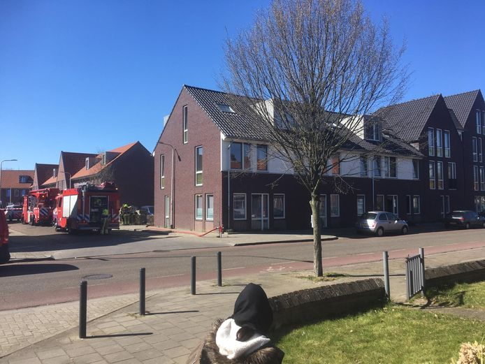 De brand zou hebben gewoed in het rechtse pand met dakkapel aan de Waterstraat in Nijmegen.