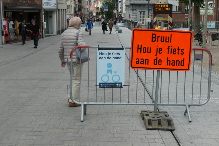 Fietsen was de afgelopen weken tijdens de autoluwe uren verboden in de Bruul.