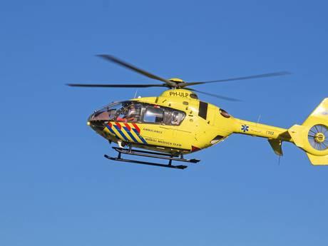 Twee mannen ernstig gewond door omgevallen hoogwerker