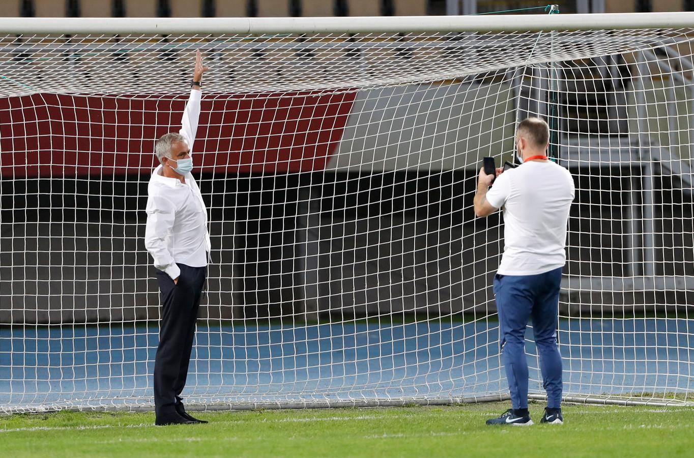 Mourinho kan niet meer bij de lat.