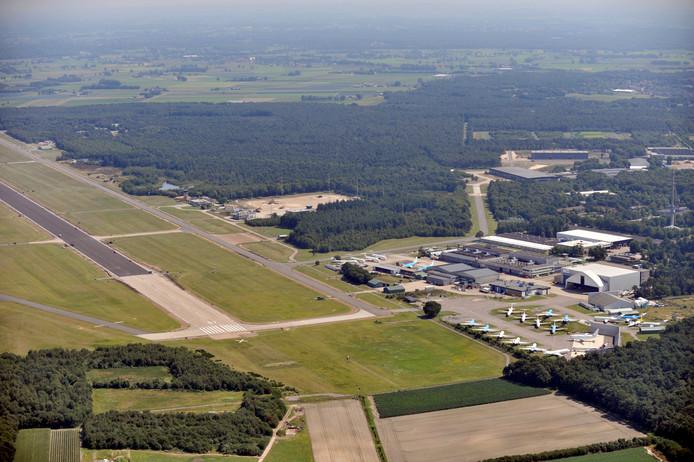 Luchtfoto van vliegbasis Woensdrecht.