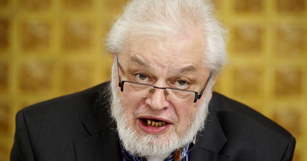 """Veroordeelde Van Rossem (73) wil terugkeren in de politiek: """"Nuttiger dan twee jaar bak"""""""