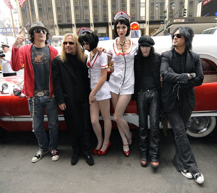 Mötley Crüe in 2009: (vlnr) Tommy Lee, Vince Neil, Mick Mars en Nikki Sixx.