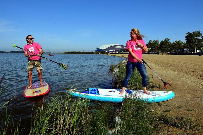 Marlies van Lier en Ron Geertse willen een schoner strand.