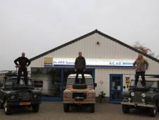 Nico rijdt met oude Land Rovers in konvooi van Heerde naar Londen, ter ere van 63 jaar oude roadtrip