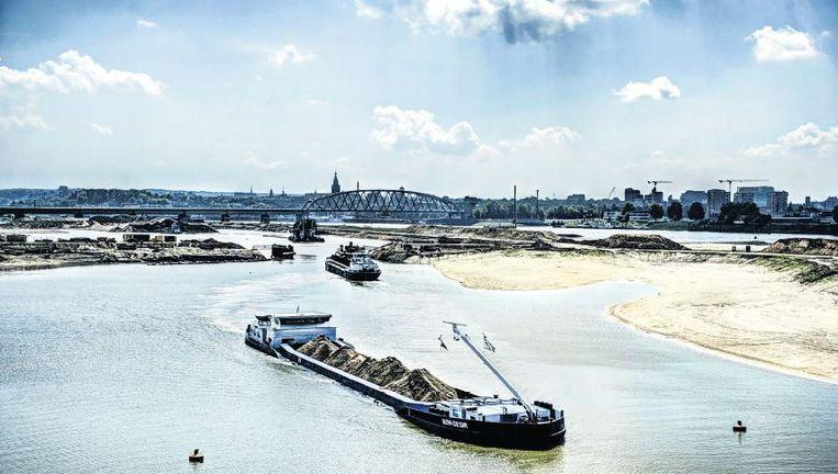 De Waal bij Nijmegen wordt verbreed in het project Ruimte voor de Rivier. Onderdeel van het project is een nieuw eiland, waar nieuwe natuur moet ontstaan. Beeld Koen Verheijden