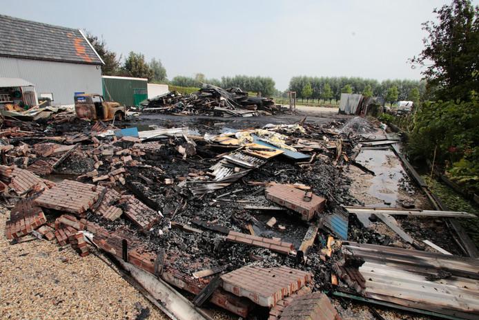 725b32b202b Door brand getroffen kledingzaak Bas van Zessen mogelijk volgende ...