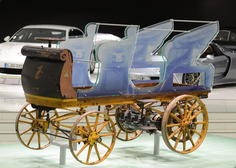 De eerste Porsche tentoongesteld in het Porsche Museum in Stuttgart. Beeld epa