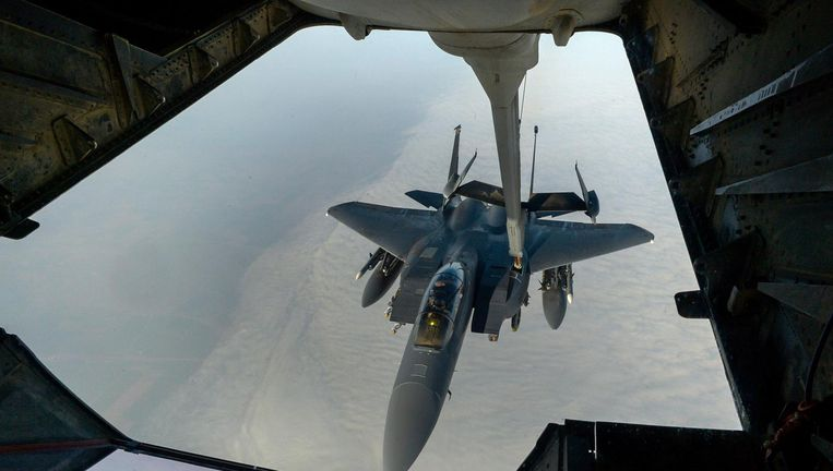 Een Amerikaanse F-15 boven Syrië. Beeld US Department of Defense