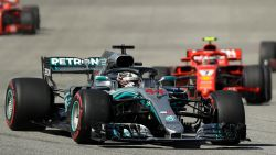 Hamilton moet nog even wachten op vijfde titel, Räikkönen viert in VS - Vandoorne eindigt op 13de plek