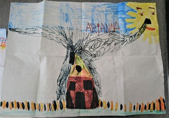 De tekening die een 6-jarig buurmeisje maakte over de brandstichtingen bij de buurman.