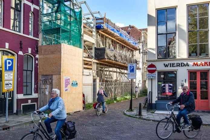 De bouw van filmtheater De Viking in beeld.