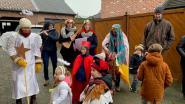 Kleutertjes Toverimpe houden traditie in ere en trekken straat op om Driekoningen te zingen