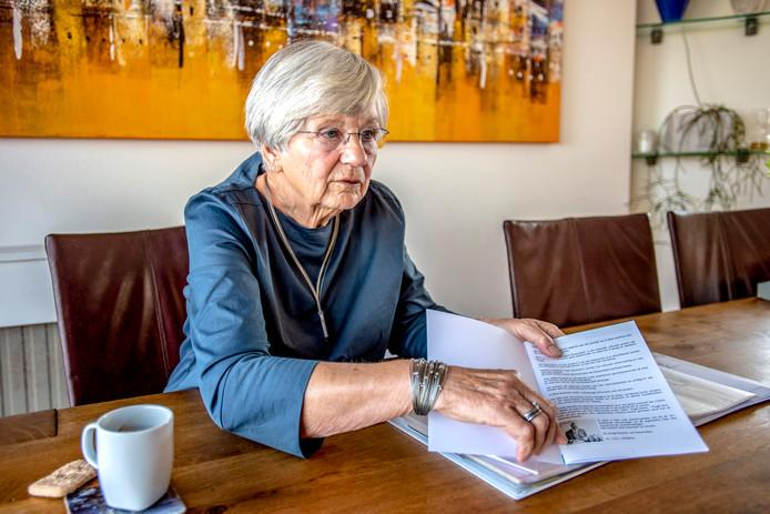 Cobi van Steekelenburg was 25 jaar hét gezicht van de cultuur in Wouw. Nu stapt ze op als voorzitter van de Stichting Culturele Manifestaties Wouw.