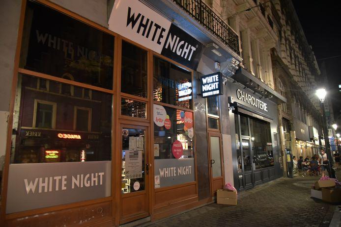 Les magasins de nuit ferment à 22 heures.