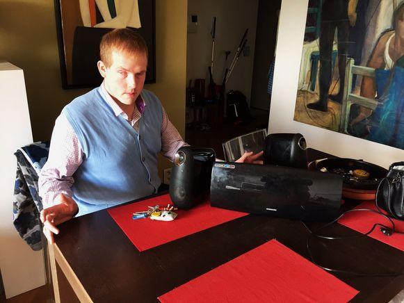 """Slachtoffer Joey Sakala: """"Mijn radio heb ik teruggekregen. Maar de spullen met de meest emotionele waarde ben ik kwijt."""""""