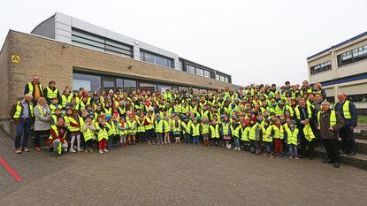Kinderen van Affligemse scholen krijgen fluo-hesje cadeau