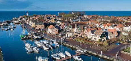Havendienst Urk slaat alarm: 'Steeds meer jongeren zonder zwemvest het water op'