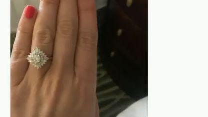 """Amerikaanse wil iedereen haar verlovingsring showen maar houdt even geen rekening met 'Live Photo': """"Hij is gigantisch"""""""