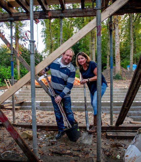 Gebouw om boom gebouwd in Goirle, eis over herplant eik terecht