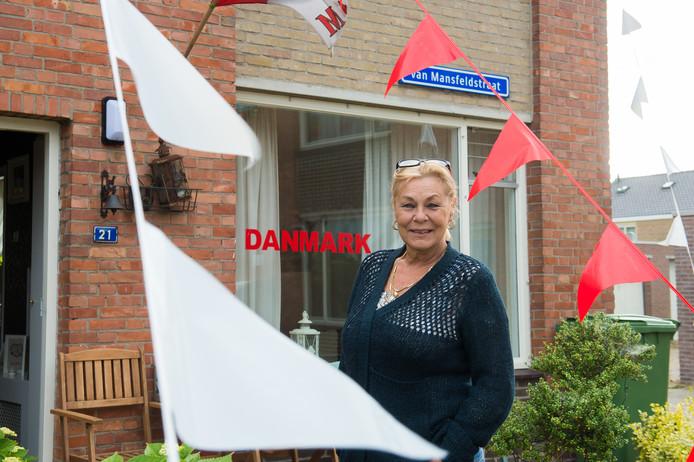 Wilma Govers is enorme fan van denemarken en heeft haar huis in Deense kleuren. Foto René Schotanus/Pix4Profs