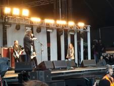Dave Grohl laat zijn dochtertje drummen voor 20.000 IJslandse fans