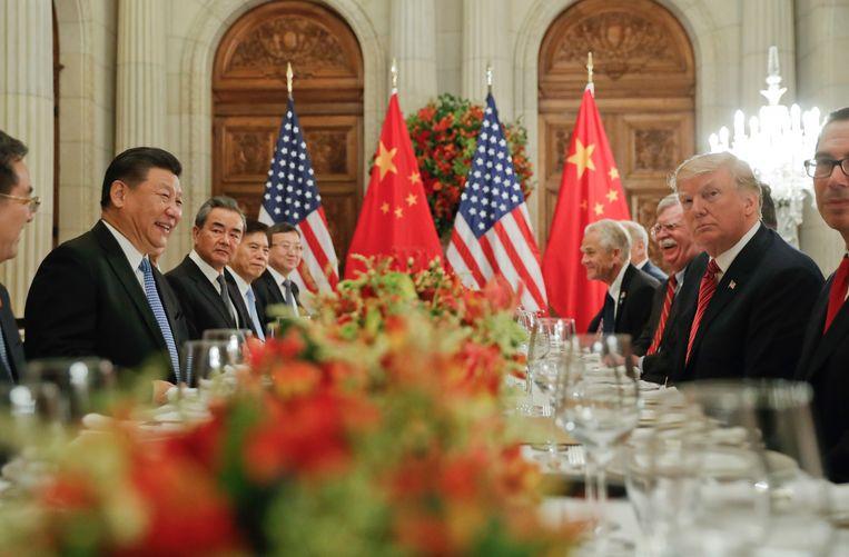 De Amerikaanse president Donald Trump en de Chinese president Xi Jinping tijdens bilateraal overleg op de G20-top in Buenos Aires.