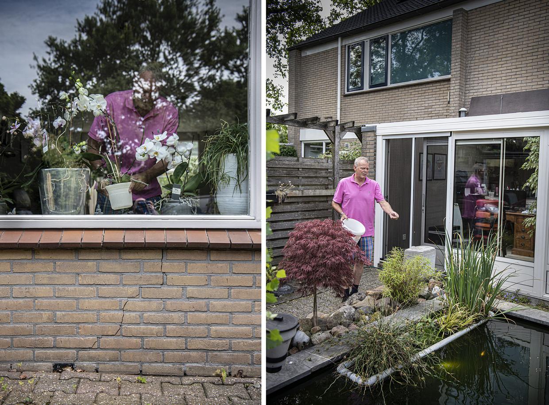 Frans de Hair, in Zevenaar bij Arnhem. Zijn huis is flink verzakt door de droogte.