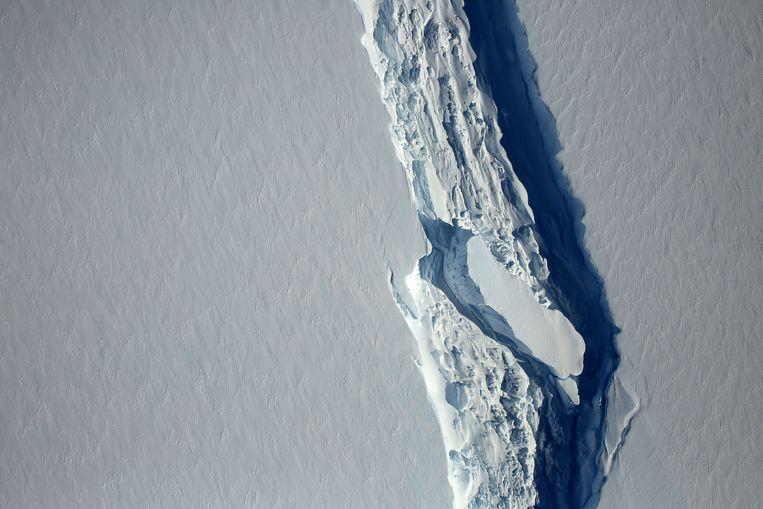 De Larsen C-ijsplaat in de wateren bij West-Antarctica waar de ijsberg woensdag van is afgebroken.  Beeld REUTERS
