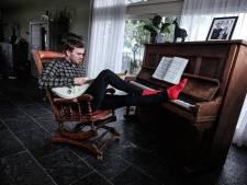 Veldrijder Nieuwenhuis herpakt zich in aanloop naar WK: 'Met de gitaar vergeet ik mijn twijfels'