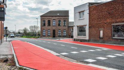 Vernieuwd kruispunt Tweekerkenstraat met Langestraat en Godveerdegemstraat vandaag weer open
