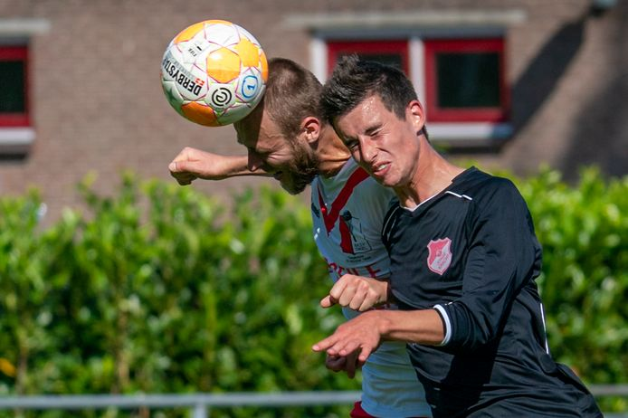 Beeld uit de bekerwedstrijd tussen RKSV Driel en Jonge Kracht.
