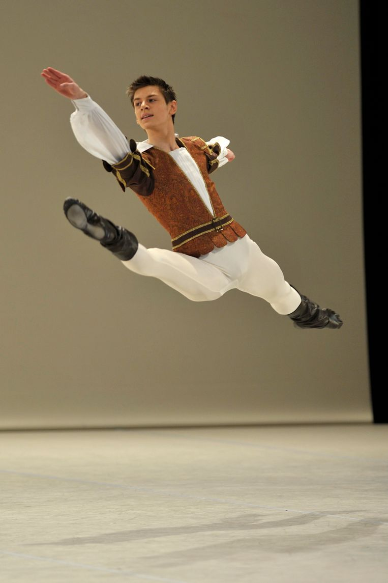 Edo Wijnen is een van de toppers die al afstudeerde aan de Koninklijke Balletschool Antwerpen.