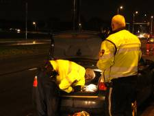 Straalbezopen automobilist (22) probeert aan politie te ontkomen