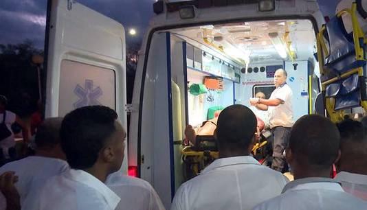 Ambulances leverden gewonden af bij ziekenhuizen in Guantanamo.