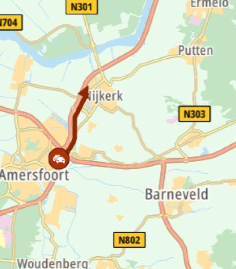 Rijstrook dicht van de A28 bij Nijkerk door kapotte vrachtauto