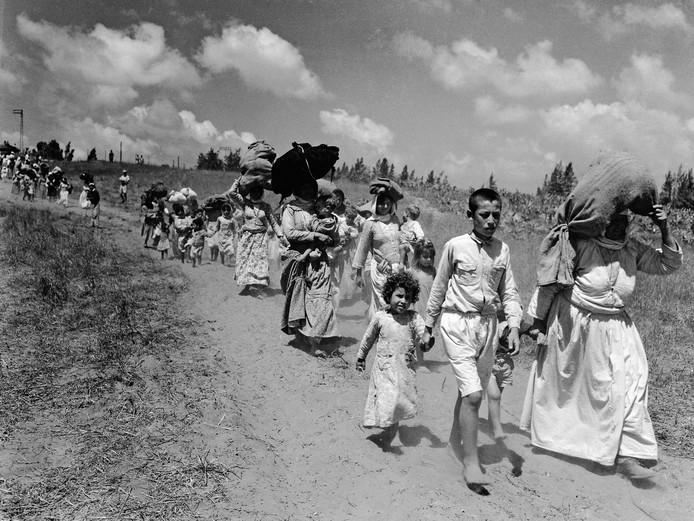 Palestijnen vluchten van de Westelijke Jordaanoever.