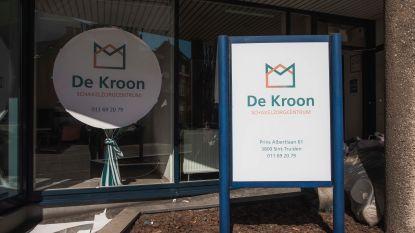"""Schakelzorgcentrum De Kroon sluit na 48 dagen de deuren: """"Vandaag verlieten de laatste 4 patiënten het centrum"""""""