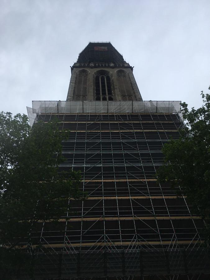 Nog eventjes genieten van het laatste stukje 'steen', voor de toren zo helemaal in staal gehuld is.