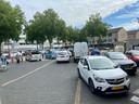 Veel geparkeerde auto's rondom het Muntplein in Nieuwegein.