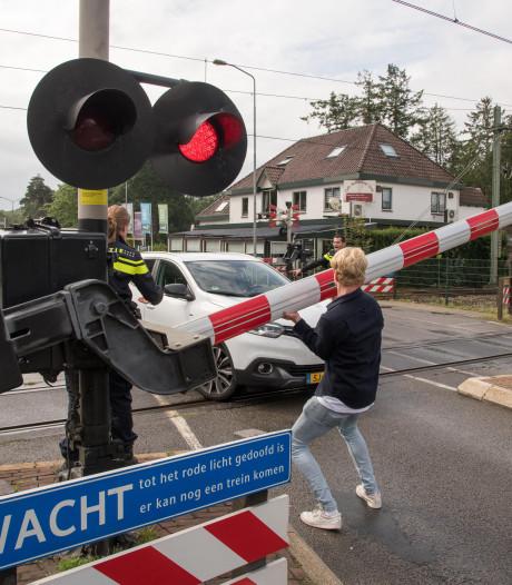 Opnieuw ongeluk op beruchte spoorwegovergang in Nunspeet