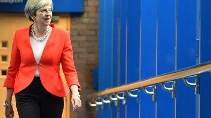 """""""Theresa May werkt aan compromis over Ierse grenskwestie"""""""