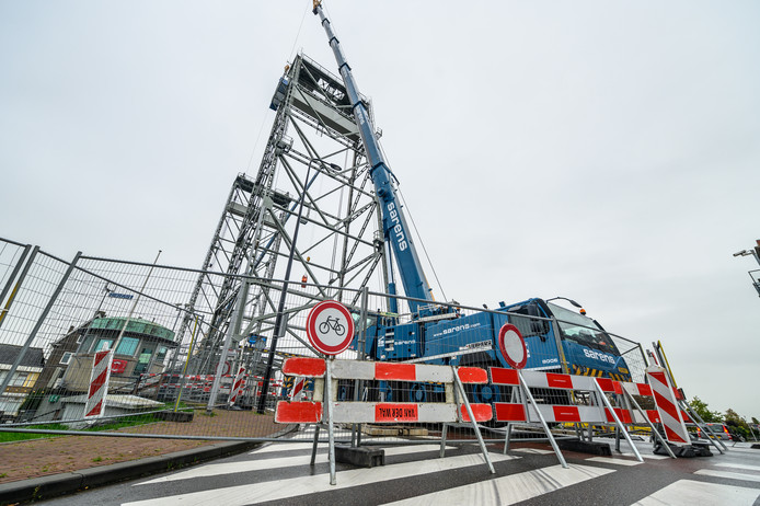 Werkzaamheden aan de hefbrug in Boskoop.