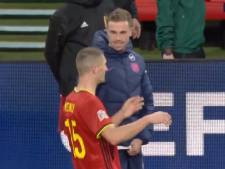 La discussion cocasse entre Meunier et Henderson sur le penalty provoqué