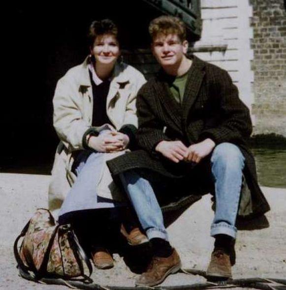 Joanna Parrish (l) vermoord in 1990.